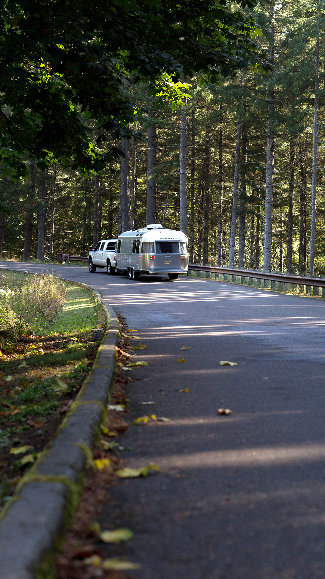 Airstream-Travel-Trailer-Dual-Axle-Towing