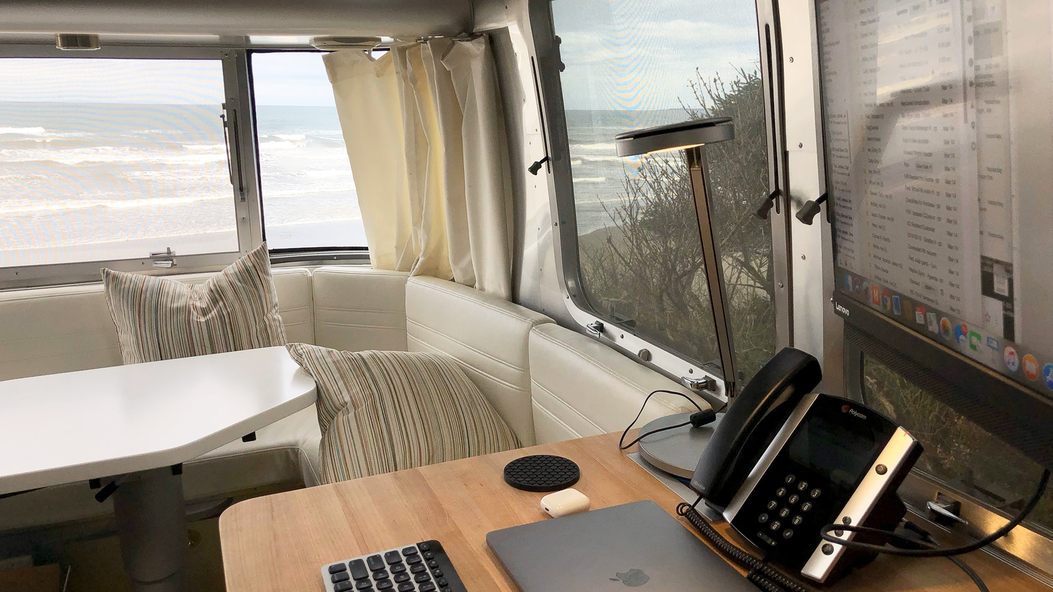 airstream-ambassador-tips-for-working-remotely-blog-header