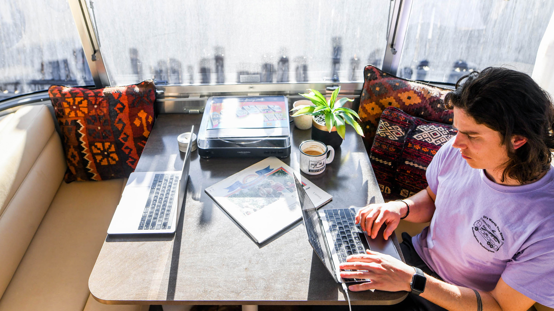 airstream-remote-work-from-the-dinette-table