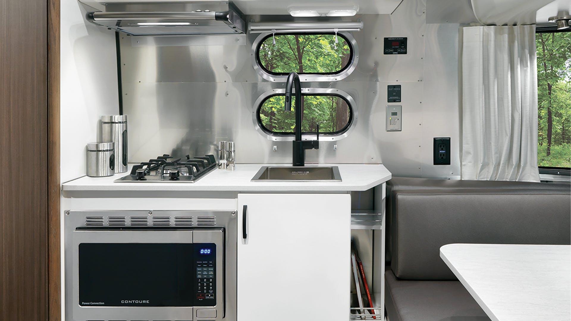 Airstream-Caravel-19CB-Kitchen
