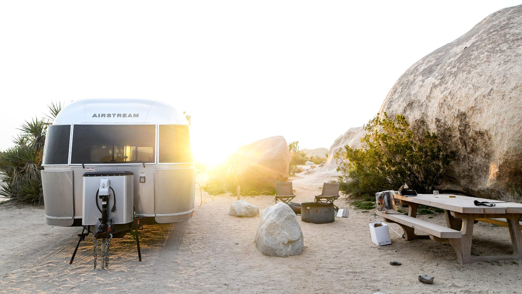 Airstream-National-Parks-Updates-2020-Feature-Joshua-Tree-Desktop-Header