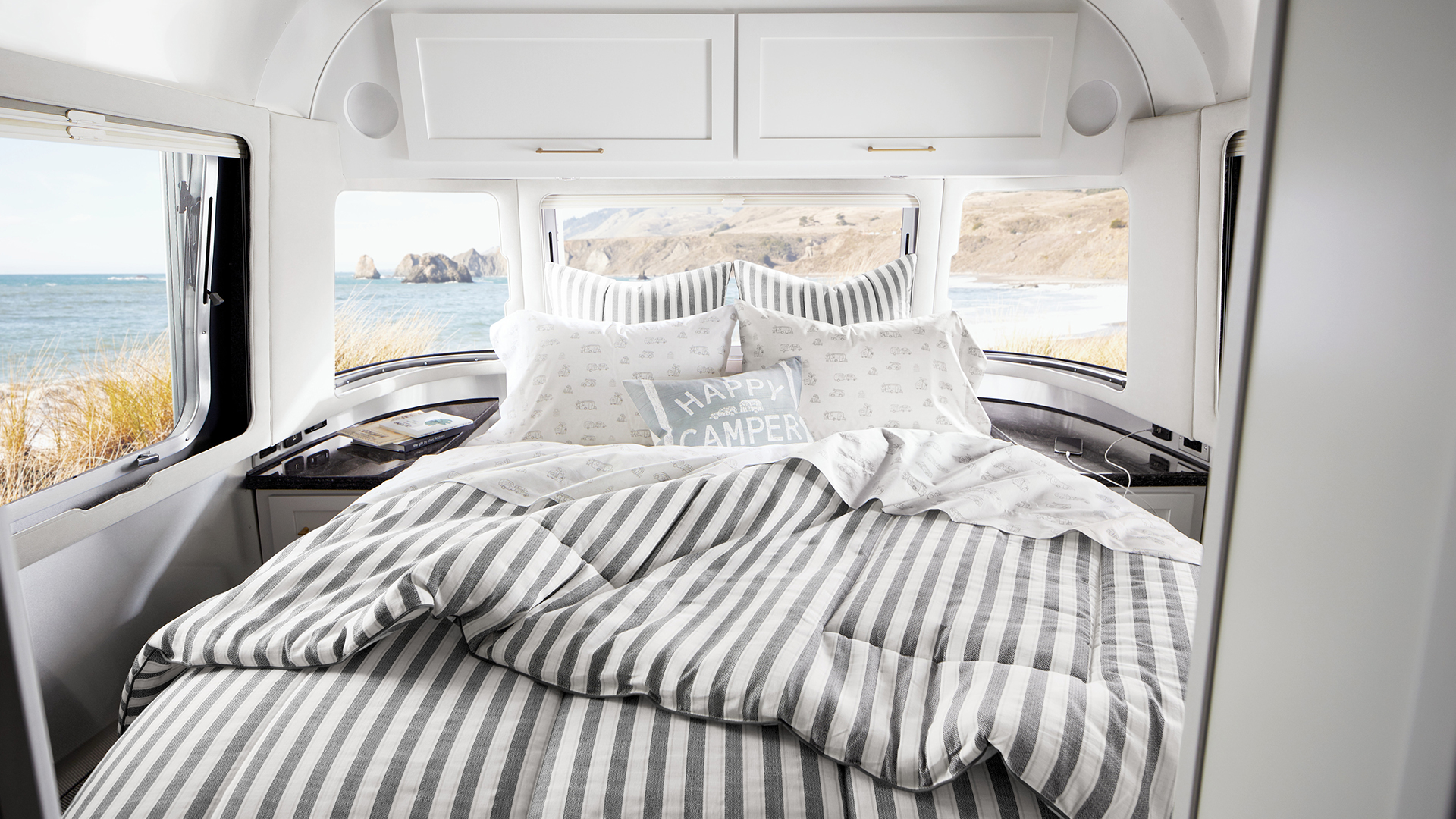 Airstream-Pottery-Barn-Bedspread-Master-Bedroom