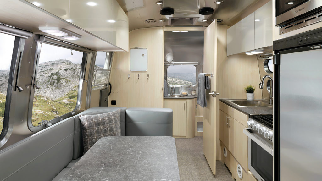 2021-Airstream-Flying-Cloud-23FB-Sunlit-Maple-Interior-with-Seattle-Mist-Ultraleather-F2B