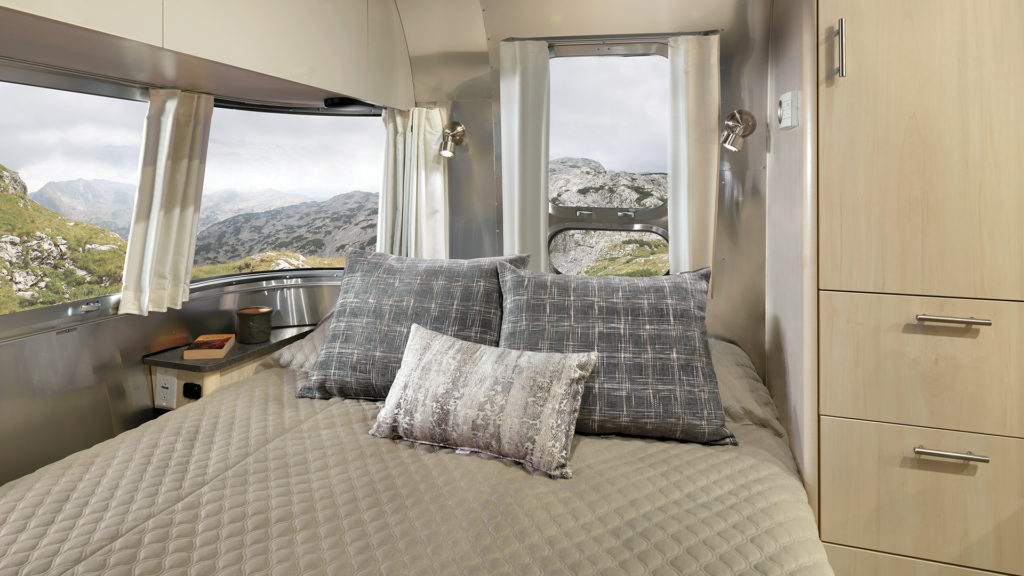 2021-Airstream-Flying-Cloud-Sunlit-Maple-Master-Bedroom-with-Queen-Bed