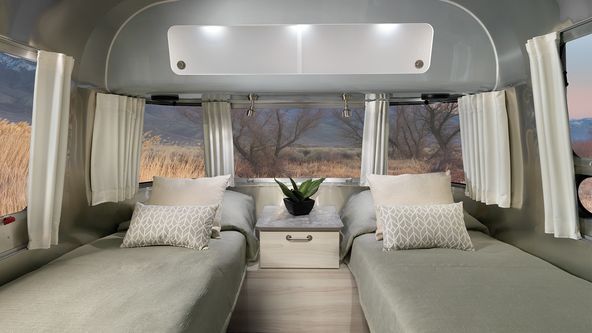 2021-Airstream-International-Interior-Master-Bedroom-Twin-Beds-Coastal-Cove