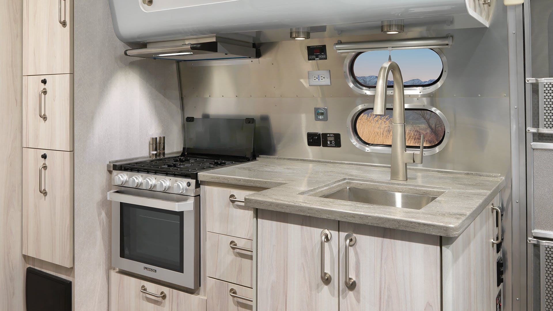 2021-Airstream-International-Kitchen-Highlight-Coastal-Cove-Interior