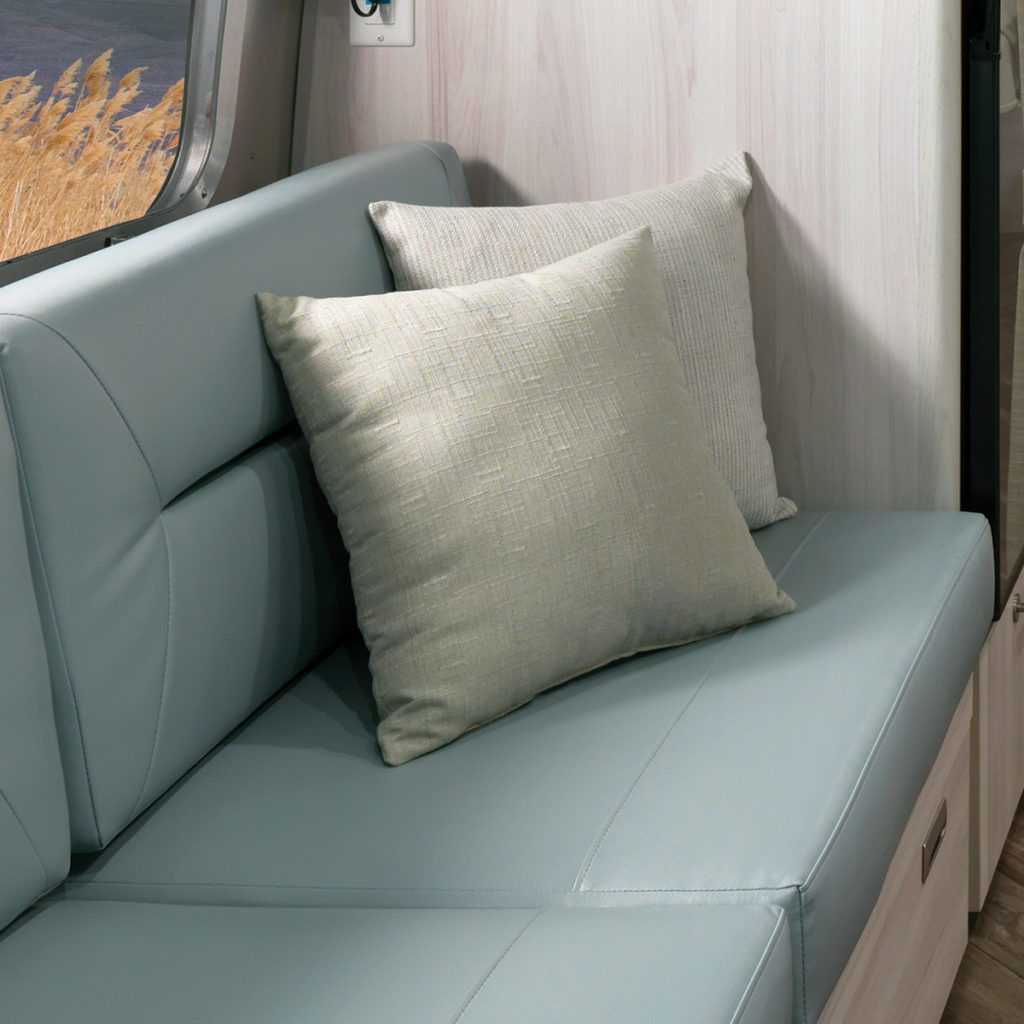 2021-Airstream-International-Ultraleather-Seating-Feature-Grid