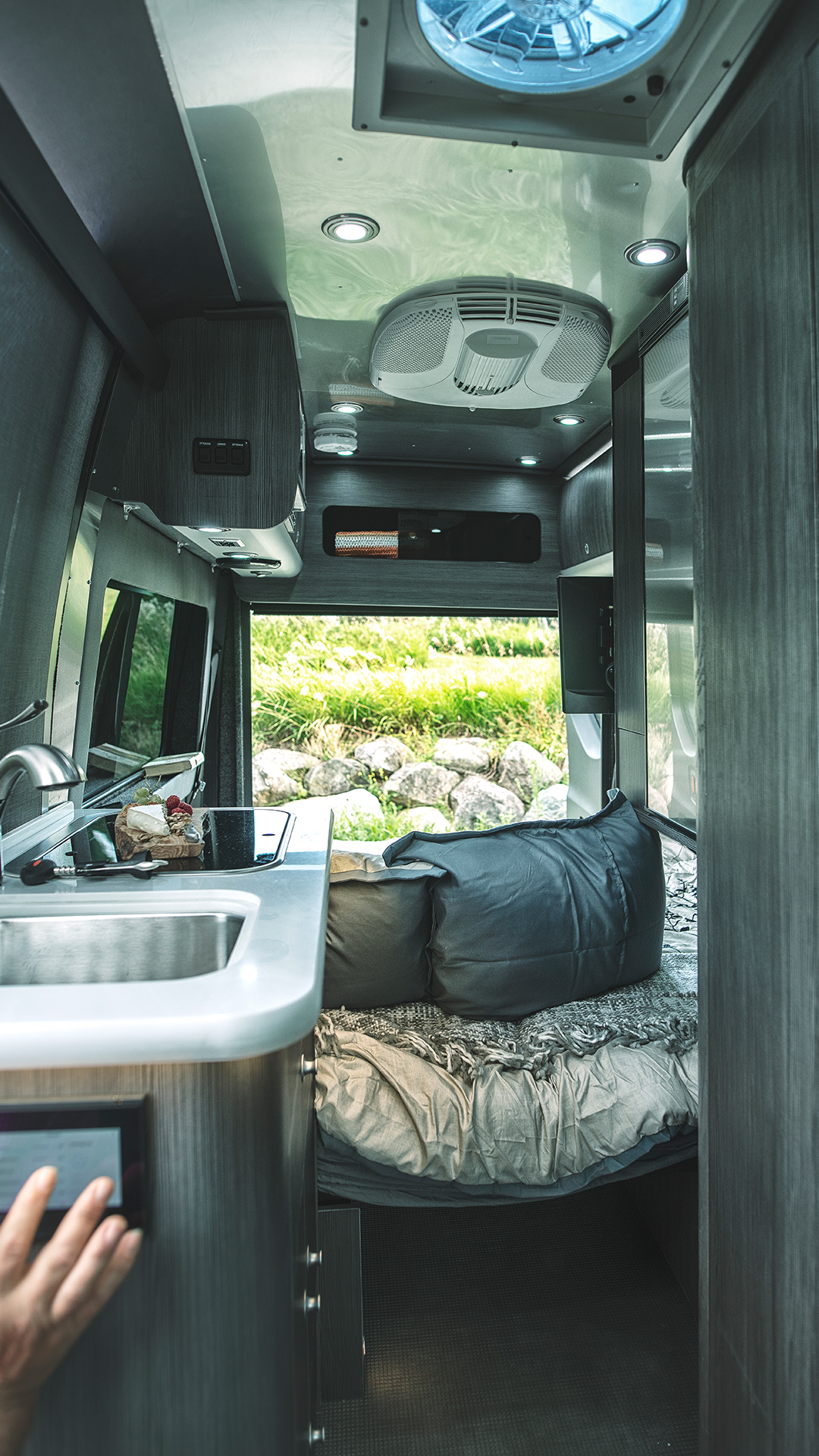 Airstream-Packing-Touring-Coach