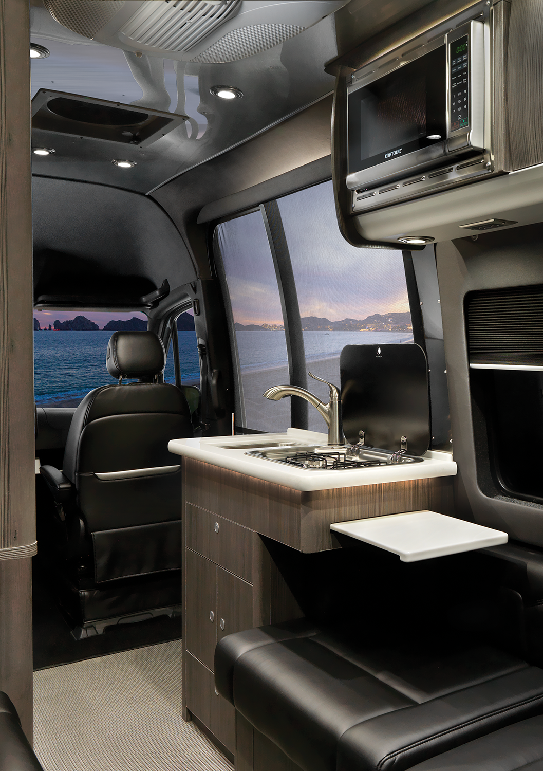 2020 Interstate 19 Interior Galley