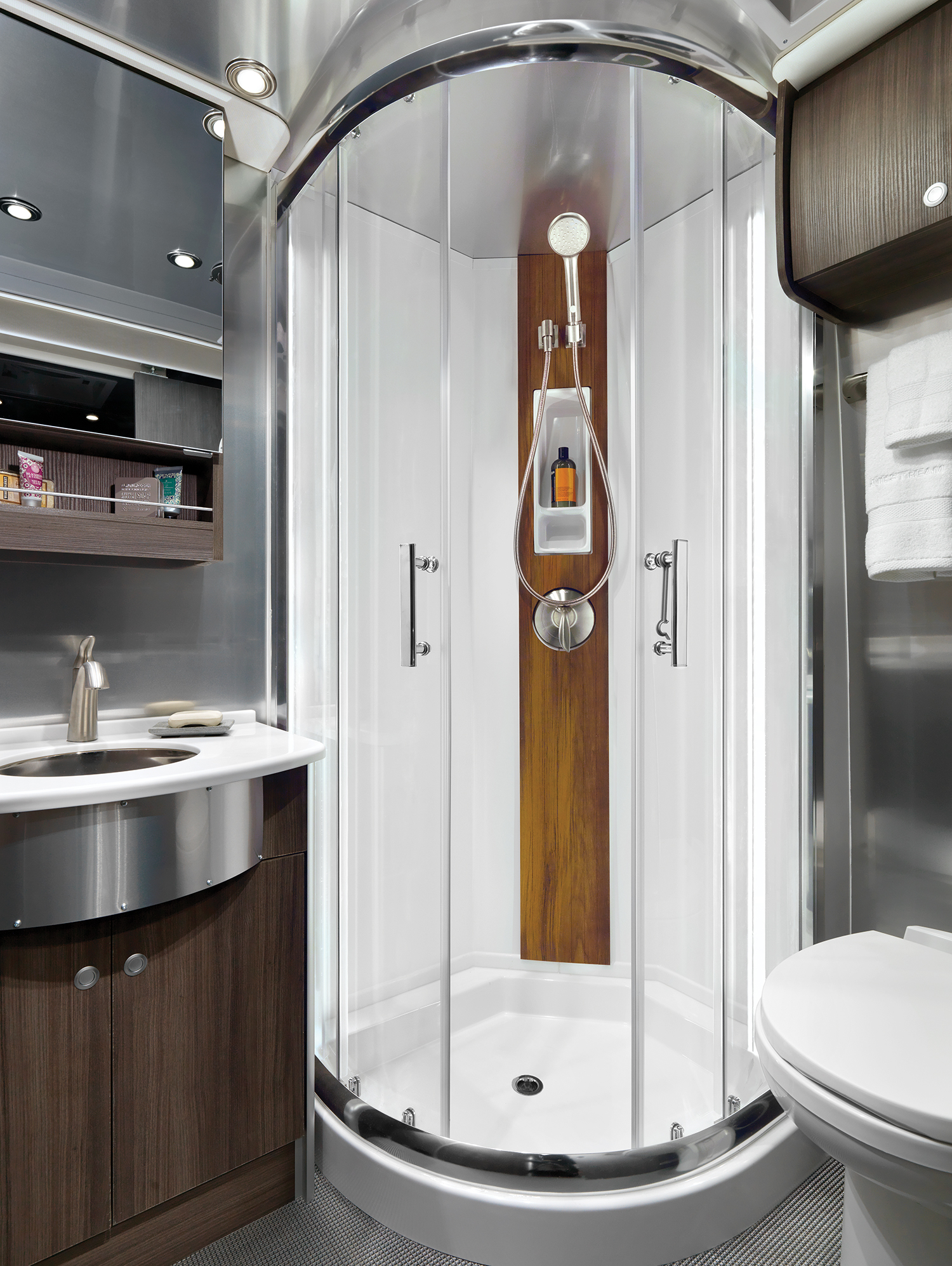 Airstream-Atlas-Interior-Lavy-Refined-Brown