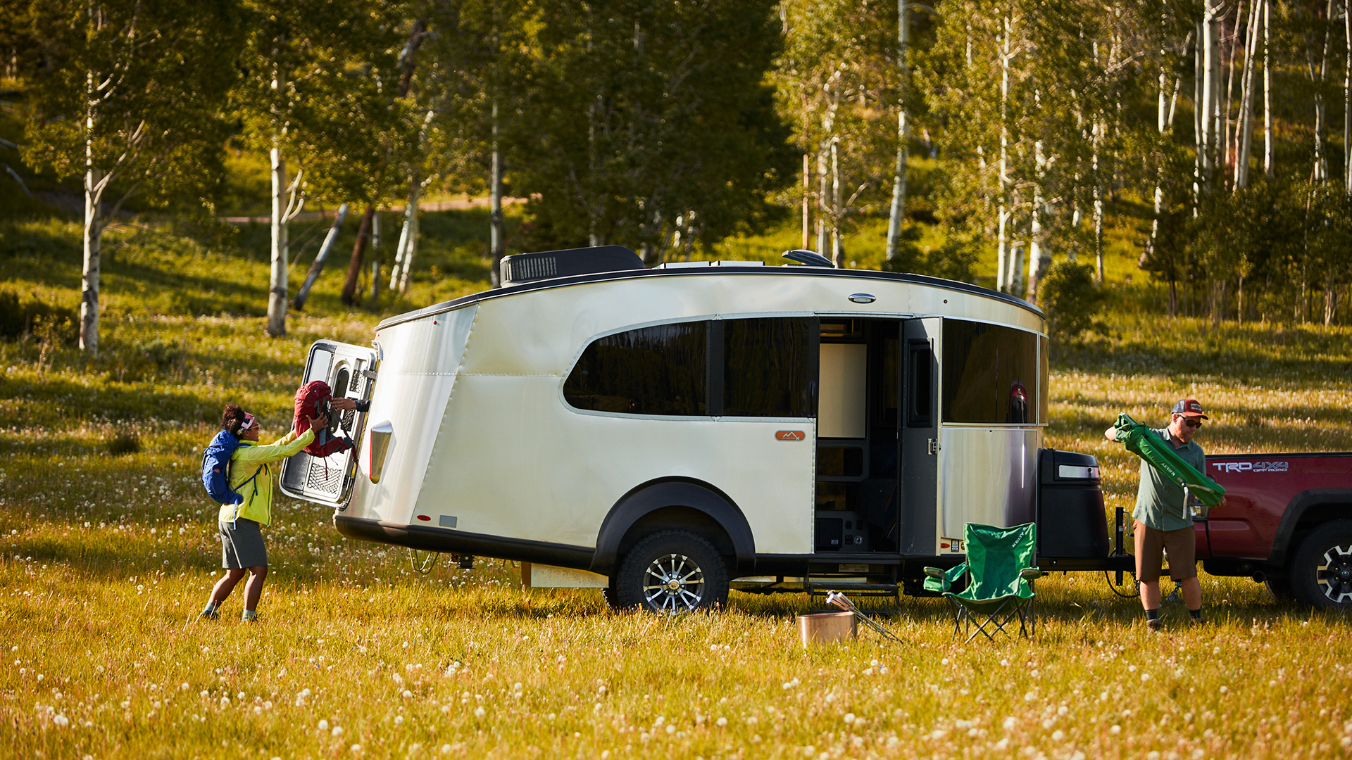 Airstream-Basecamp-20X-Floor-Plan-Lifestyle-Feature-2