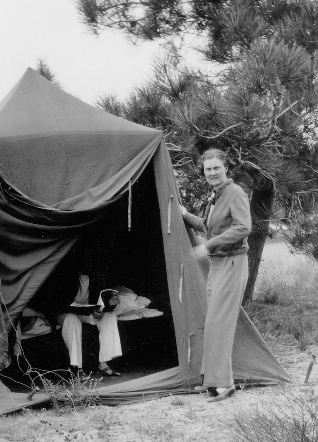 Wally-Byam-and-Wife-Marion-at-Tent