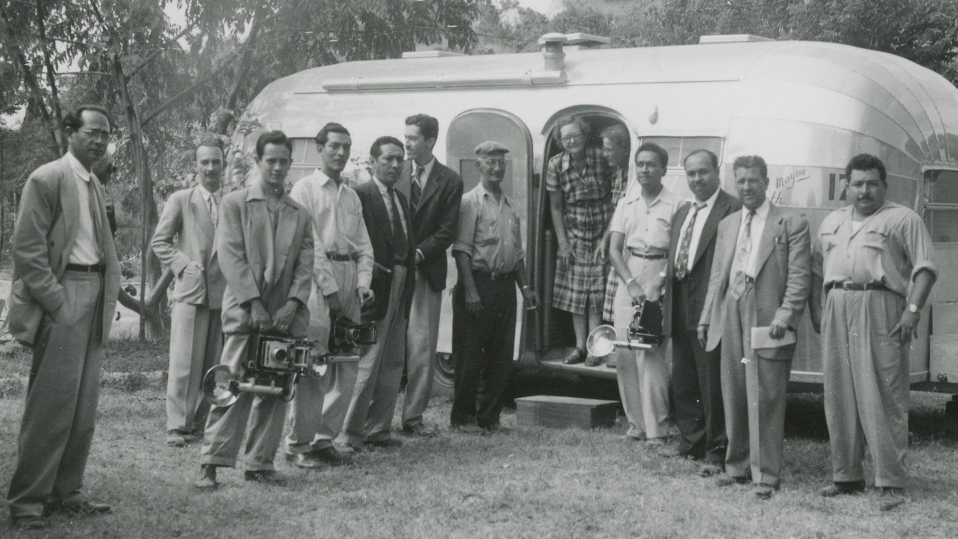 1951-1952-Mexico-Central-America-San-Salvador-Press-Visits-Caravan