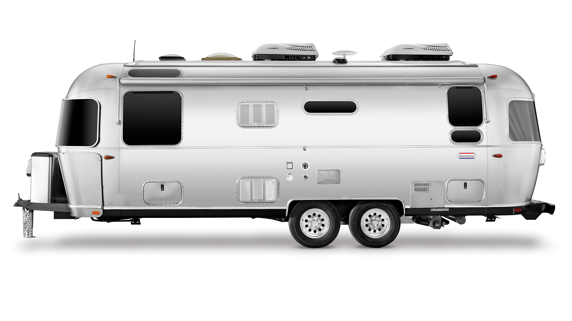 Airstream-25RB-International-Street-Side-Exterior