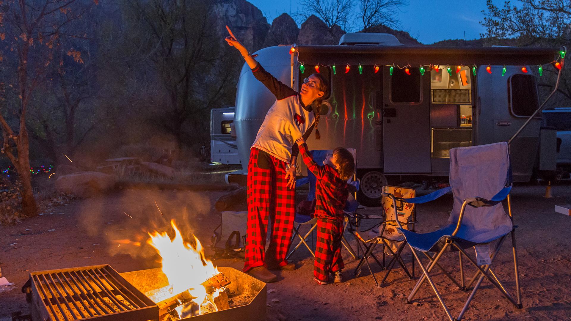 Airstream-Ambassador-Nina-at-Campfire-with-Travel-Trailer