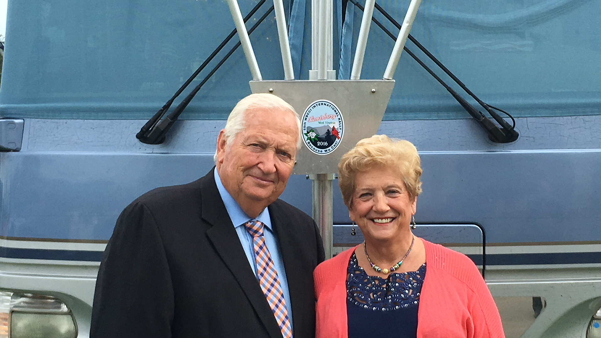 Barry-and-Karen-Bell-WBCCI-Airstream-Club-Motorhome-2016