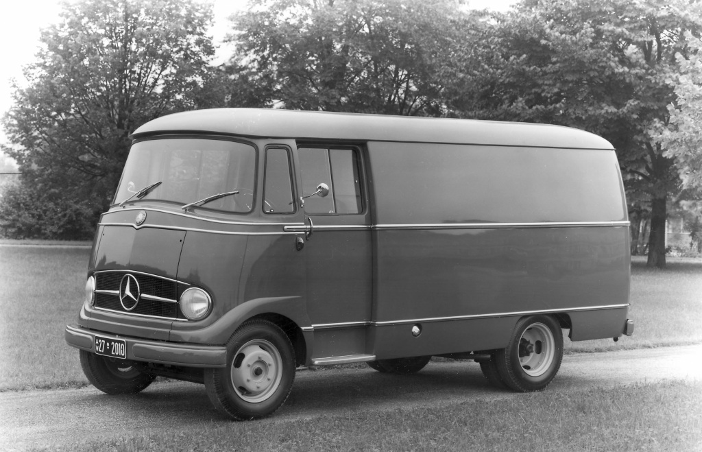 Daimler-Benz would produce well over 100,000 units of the new van L 319.