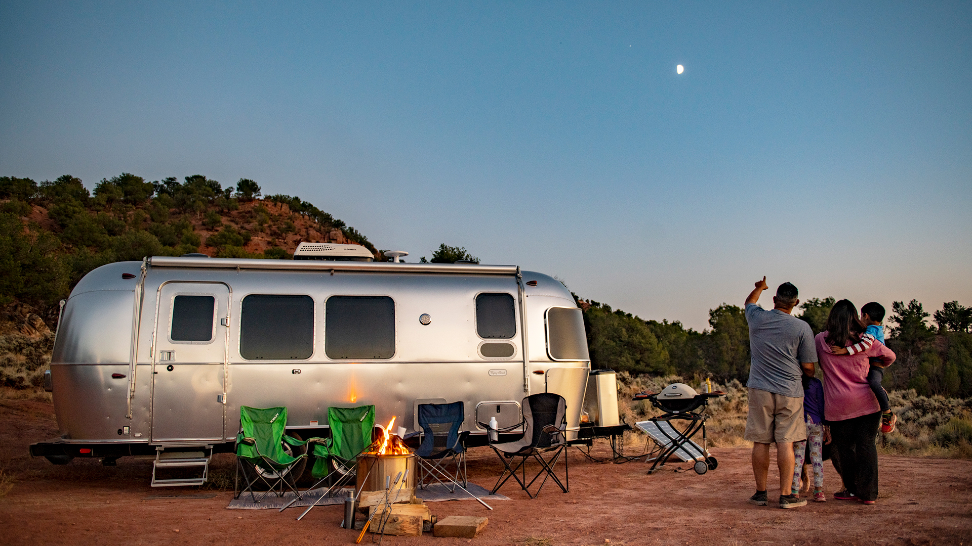 Airstream-Flying-Cloud-Boondocking-and-Sky