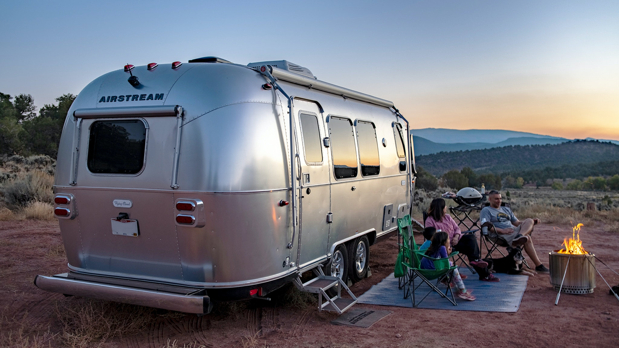 Airstream-Power-Plus-Flying-Cloud-Boondocking-Power-Upgrade-with-Lithium