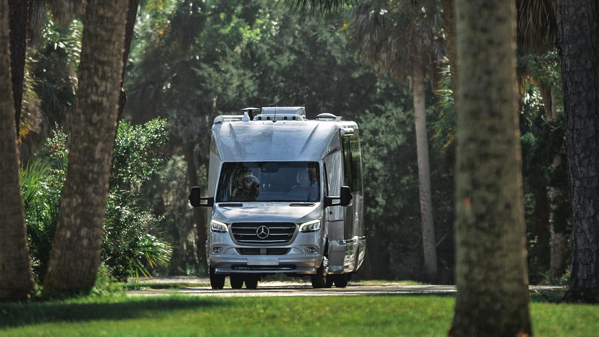 Airstream-Atlas-Mercedes-Benz-Luxury-RV-Coach