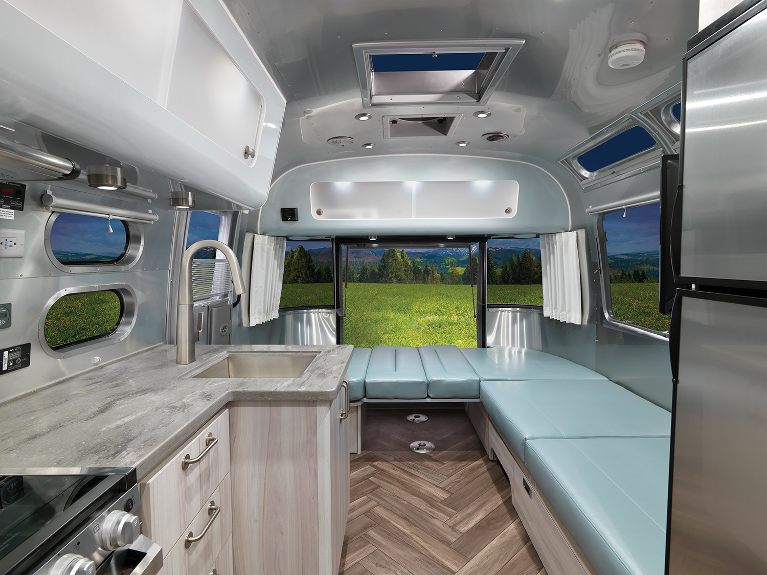 Airstream International 27FB with the Hatch Open and Bed Down