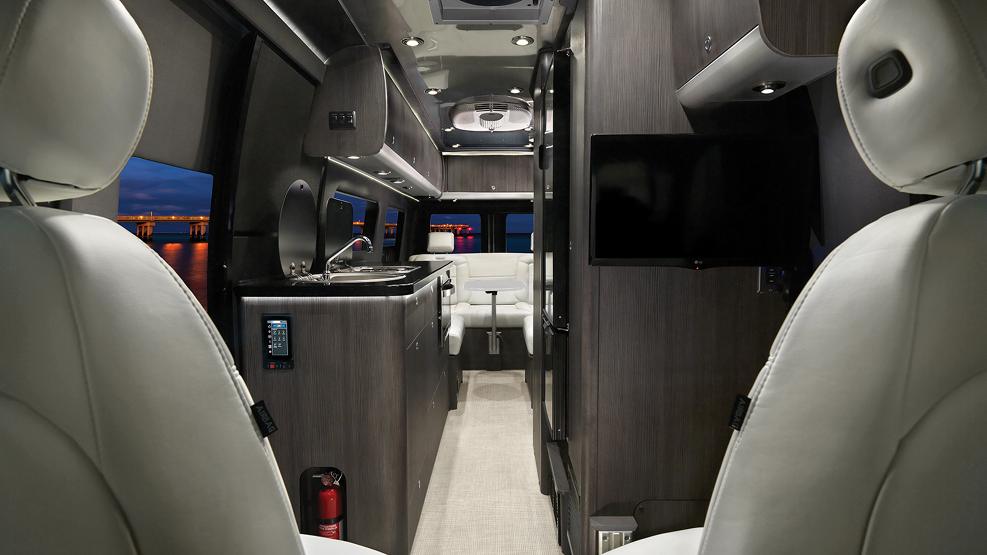 2020-interstate-EXT-grand-tour-interior-lux-white