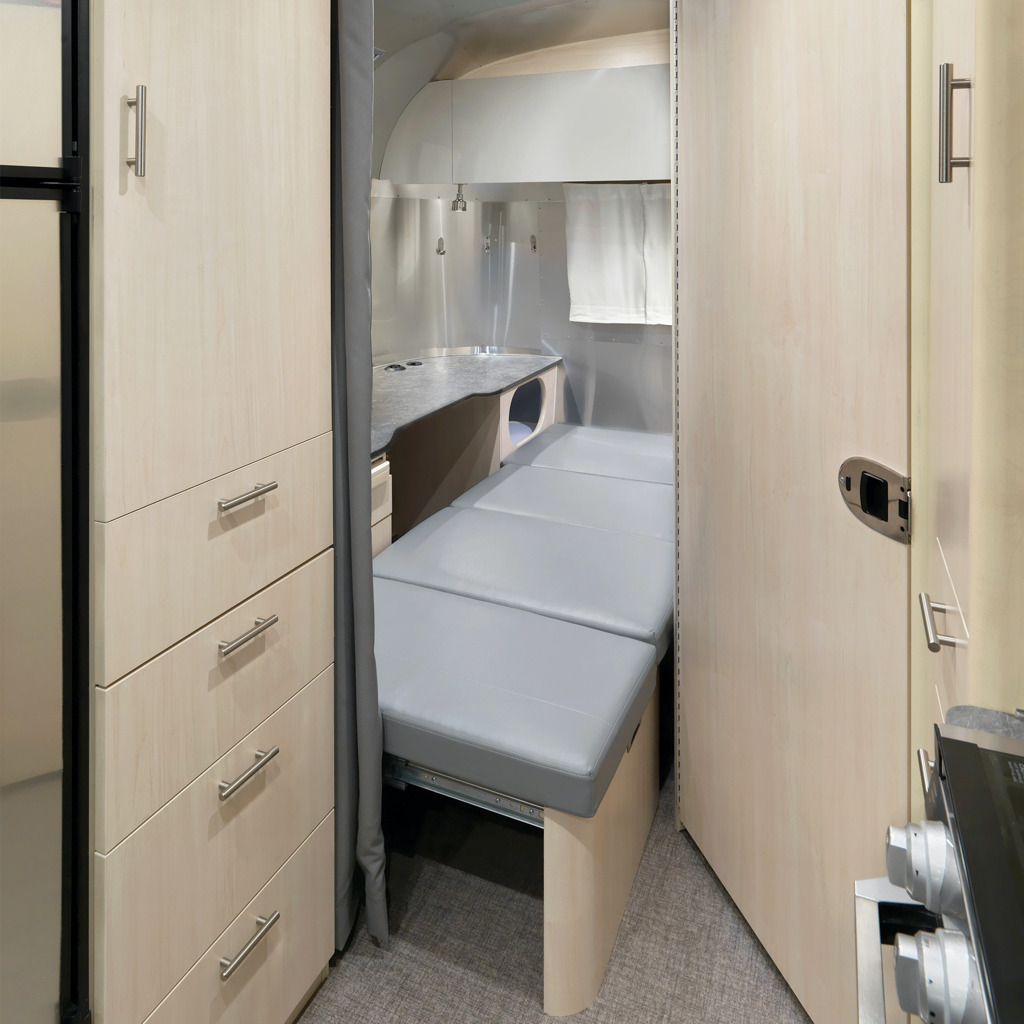 flying cloud 30 front bed office with rear office desk bed