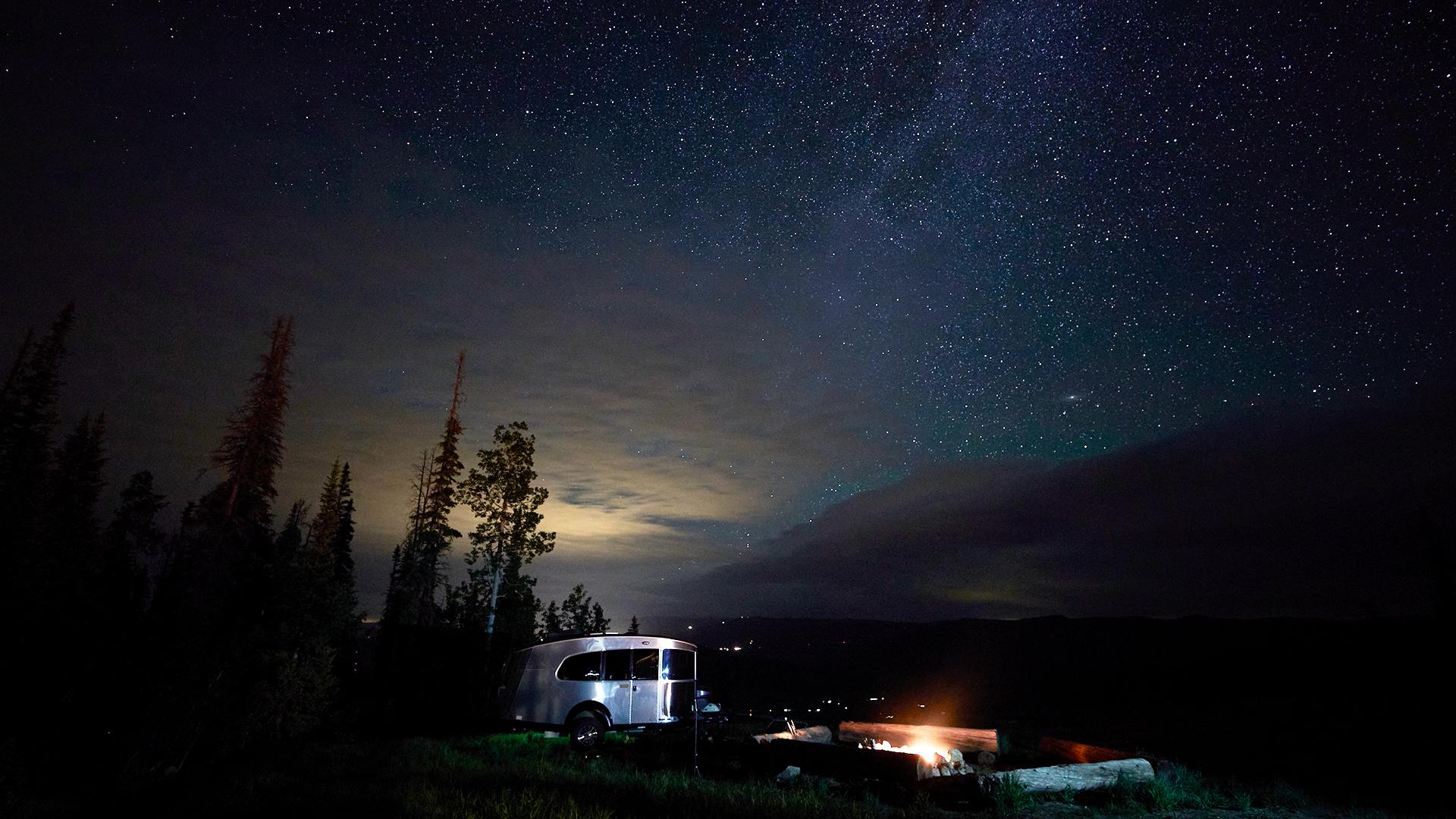 Airstream-Basecamp-20-Milky-Way-Adventures