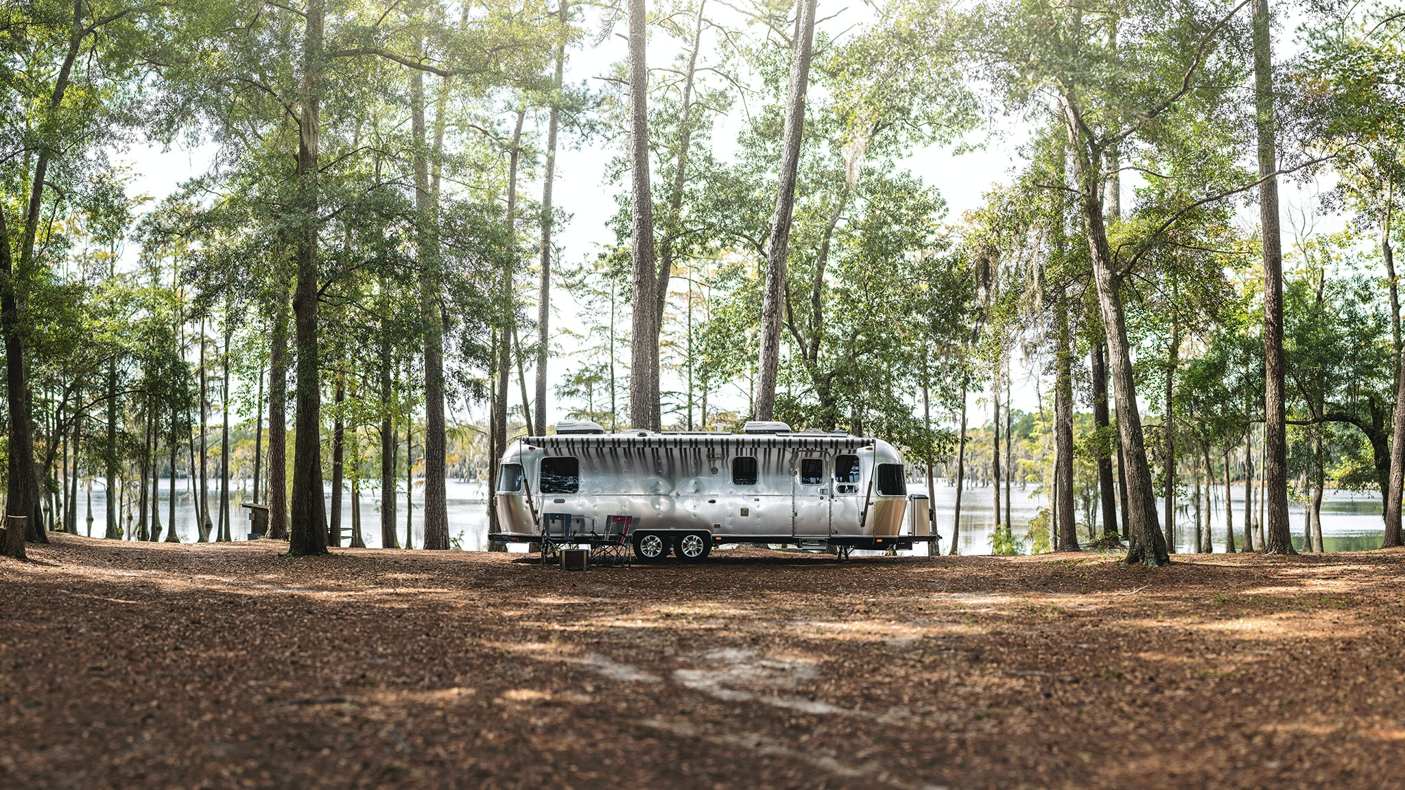 Airstream-Classic-30RB-Lifestyle-Horizontal-Feature