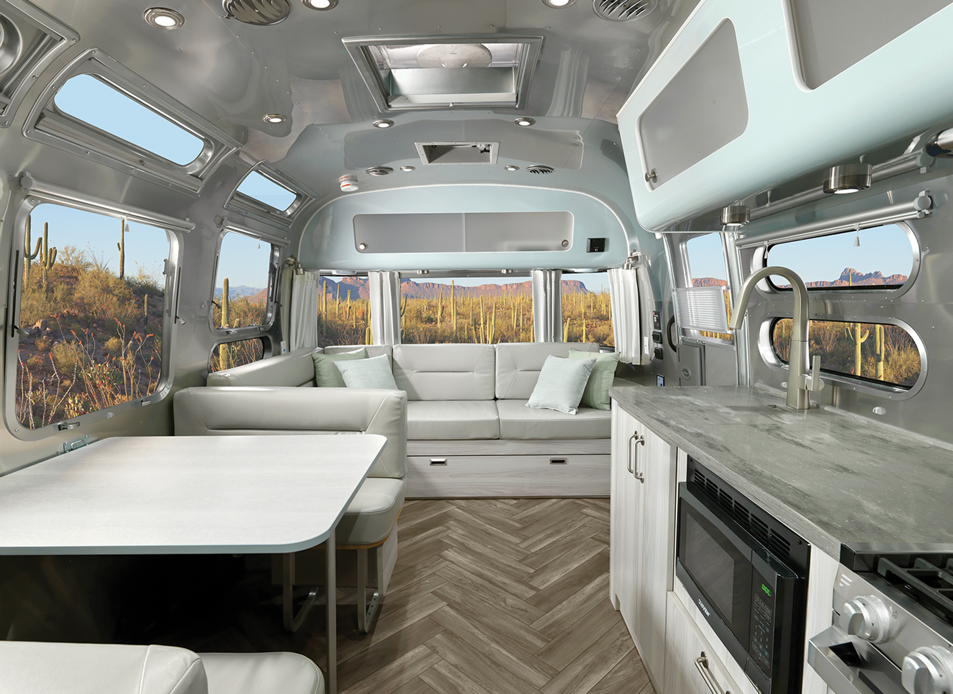 Airstream International 30RB Interior Back to Front Seashell Decor