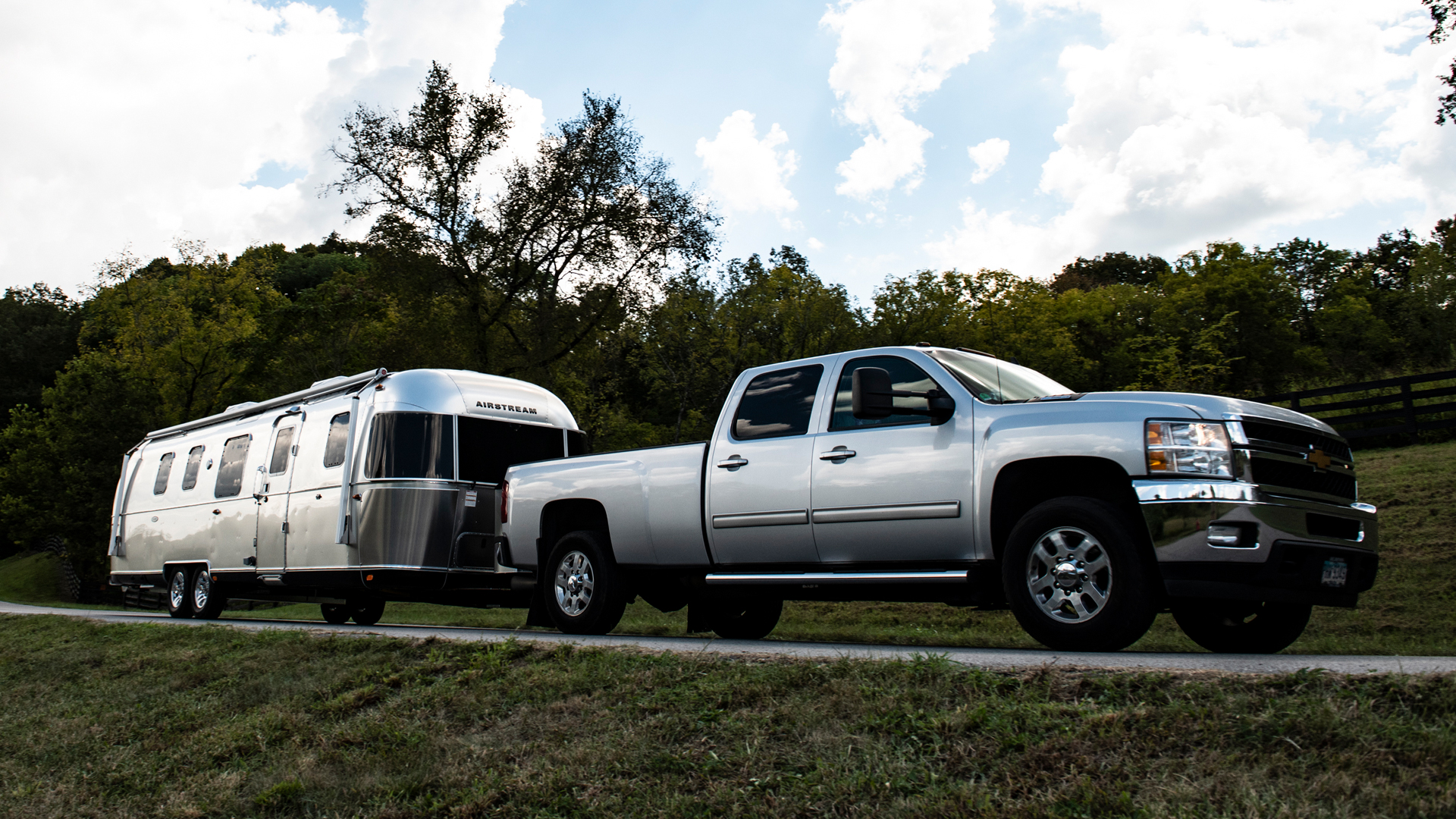 Chevy-truck-towing-an-Airstream-trailer