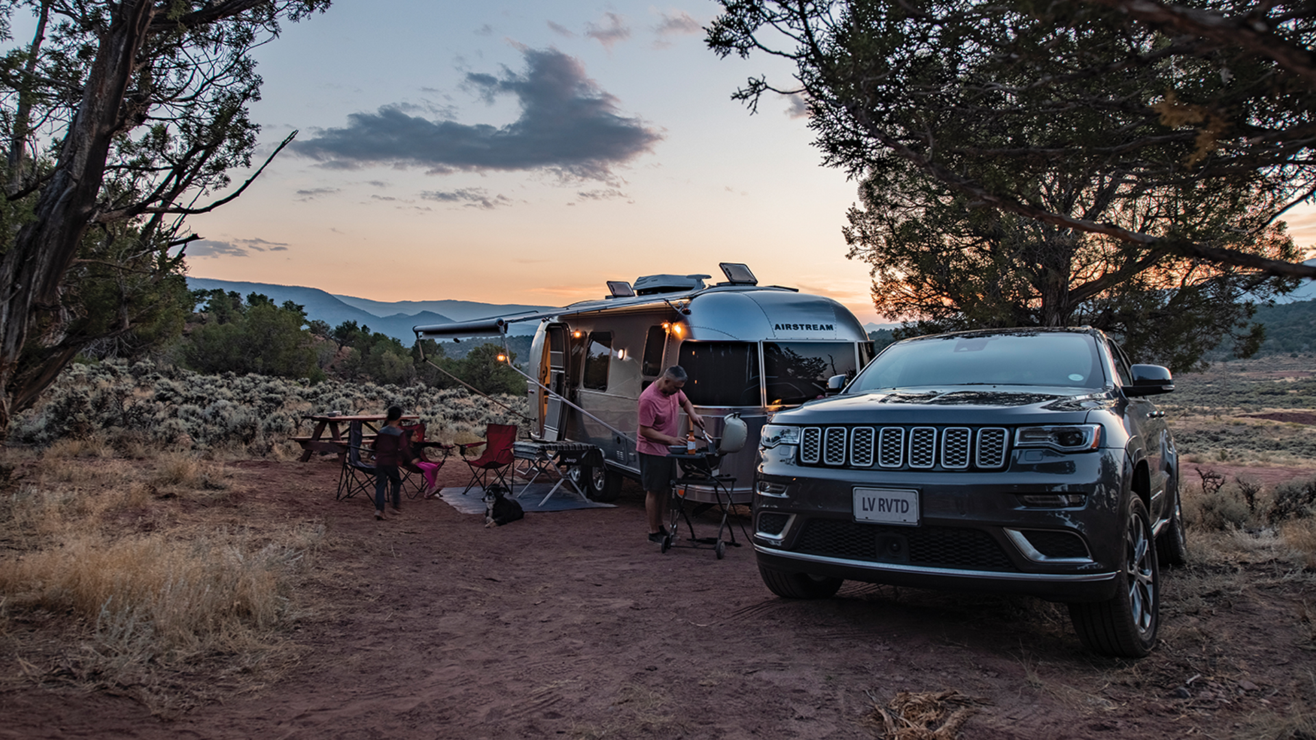 Family-camping-in-their-Airstream