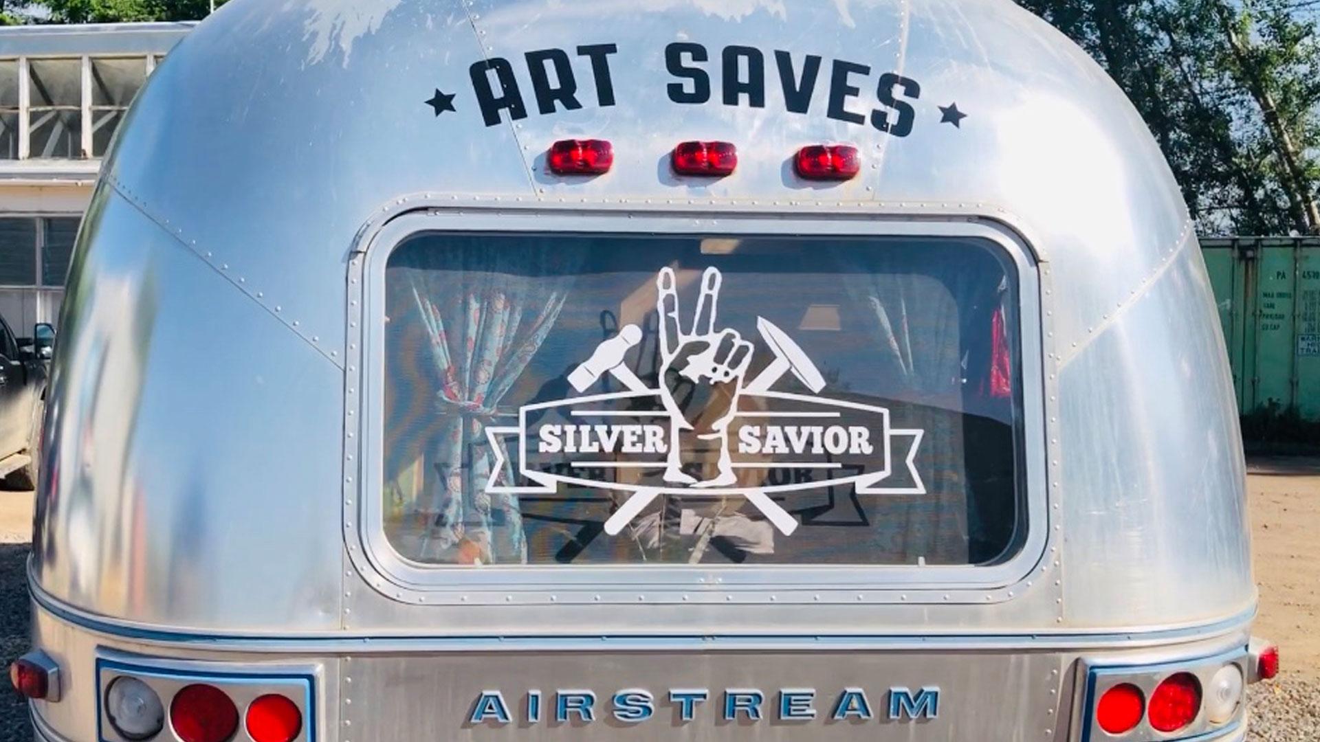 SweetBird-studio-classic-airstream-trailer