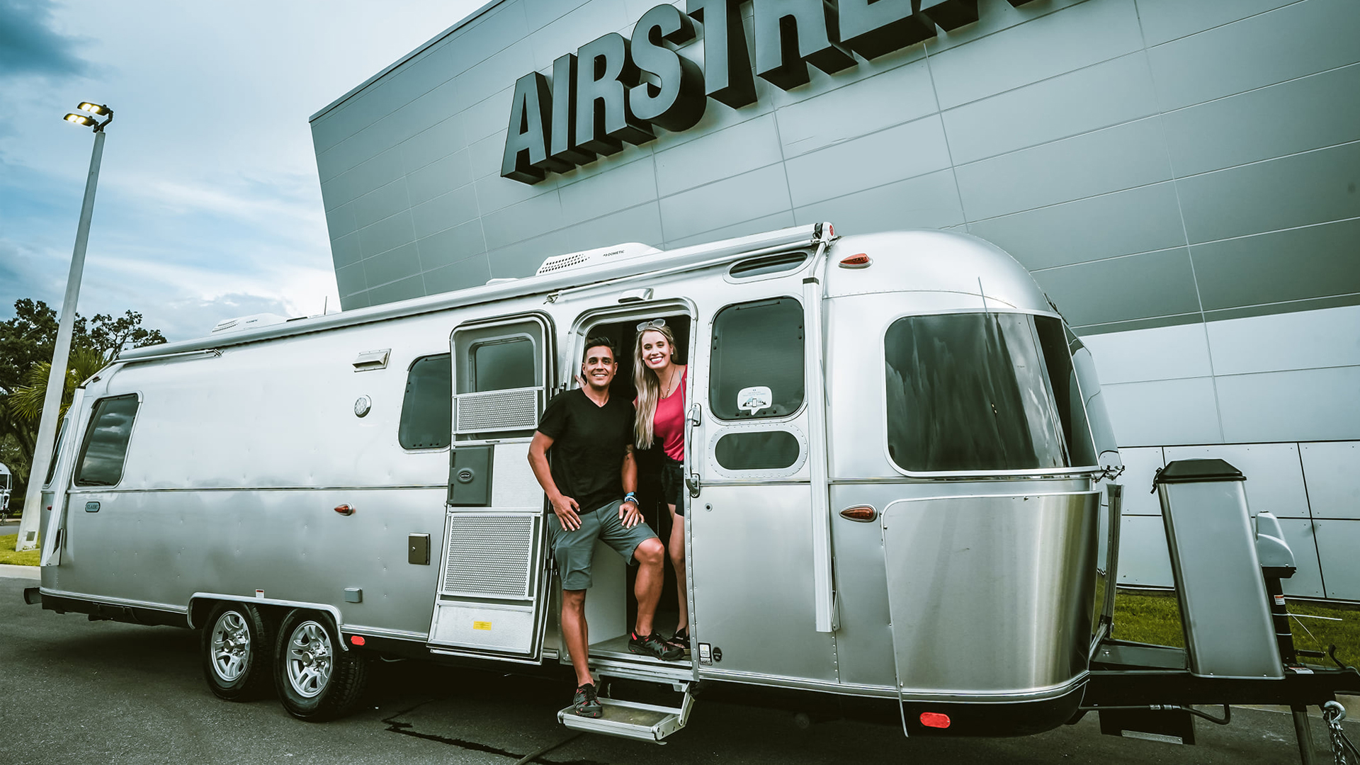 What-to-know-about-the-Airstream-life