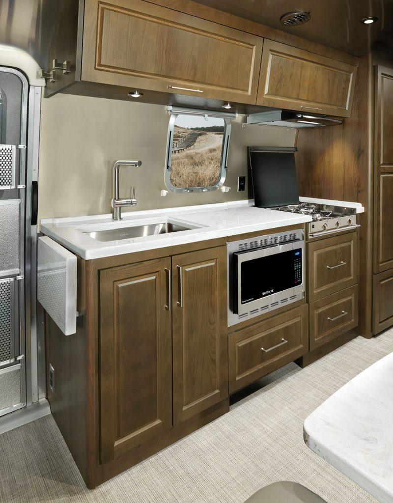 Airstream-Classic-Estate-Brown-Kitchen-Feature