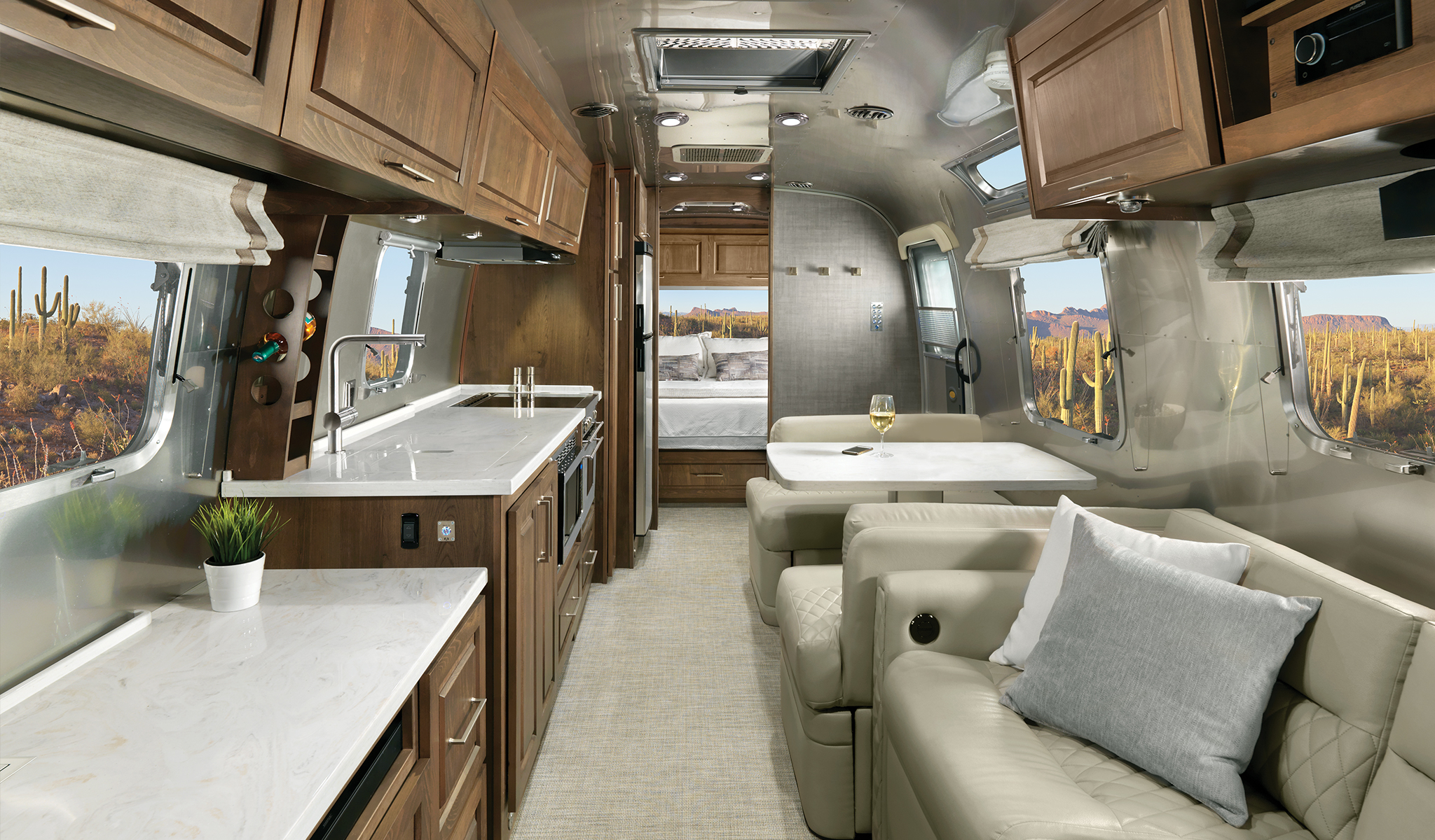 Airstream-Classic-Estate-Brown-with-Chamomile-Ultraleather