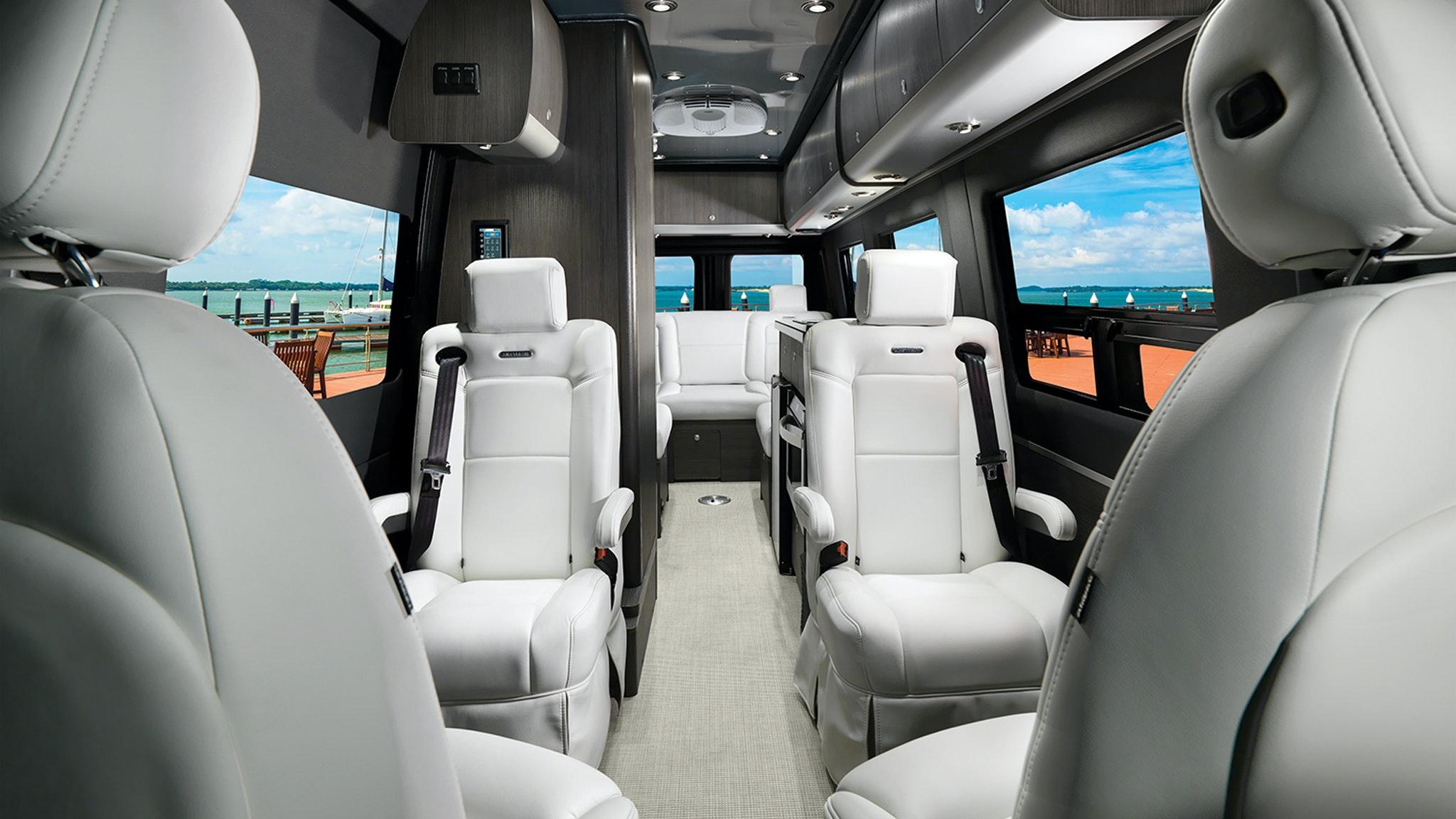 Airstream Touring Coach 2021 Interstate 24GL Interior