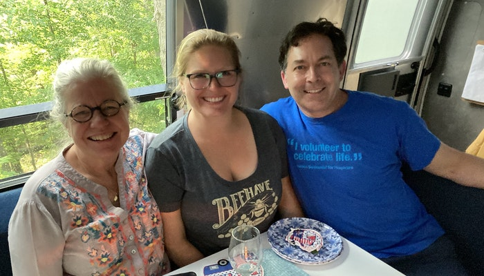 Airstream-dinner-with-Jenn-and-Andrew