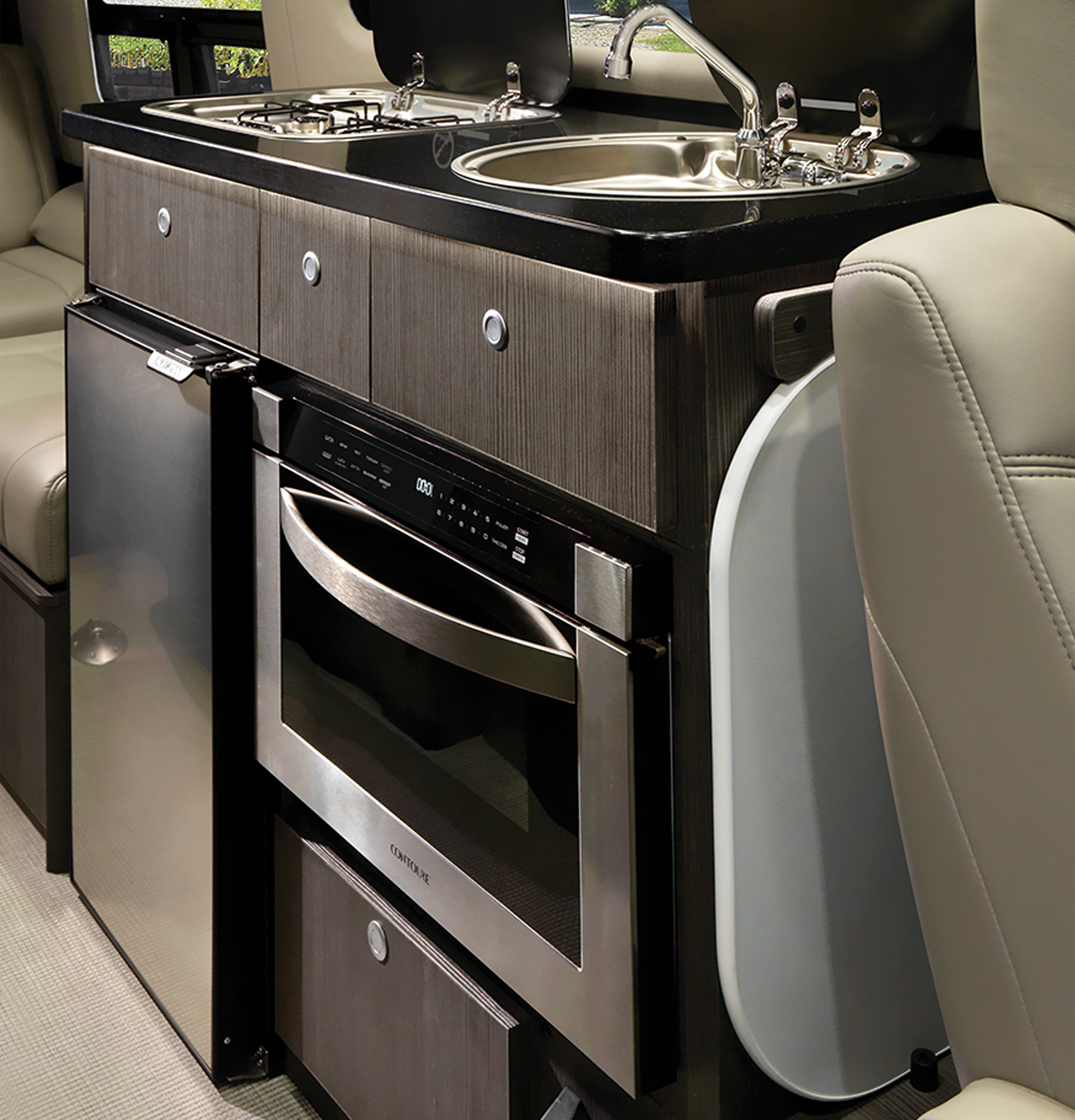 Interstate-24GL-Tailgating-Galley