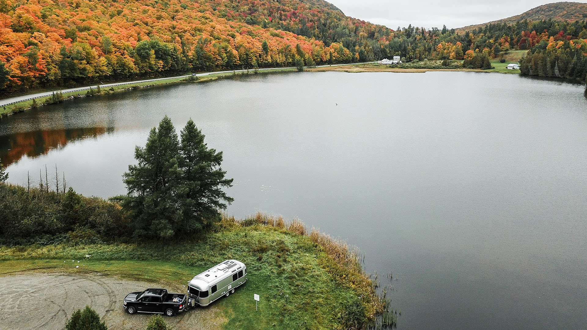 airstream fall foliage camping 2021 _0002_LUVLENS_commercial_airstream_vermotfoliage_october2018-265